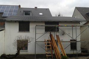Haus in Hürth, das neue Dach - Gartenansicht