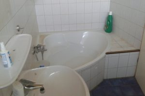 Haus in Vettweiß, Badezimmer - vorher