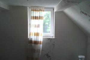 Haus in Alt-Hürth, Schlafzimmer in Dachgeschoss - vorher